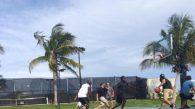 Watch: Michael Jordan and Tom Brady Playing Pickup Hoops in Bahamas; Jordan Still Talking Trash
