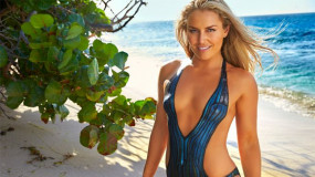 Lindsey Vonn Does Pull-ups in Body Paint on SI Swimsuit Set