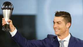 Ronaldo takes home Best FIFA Men's Player award