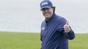 Mickelson Ties Tournament Record with 5th Win at Pebble Beach